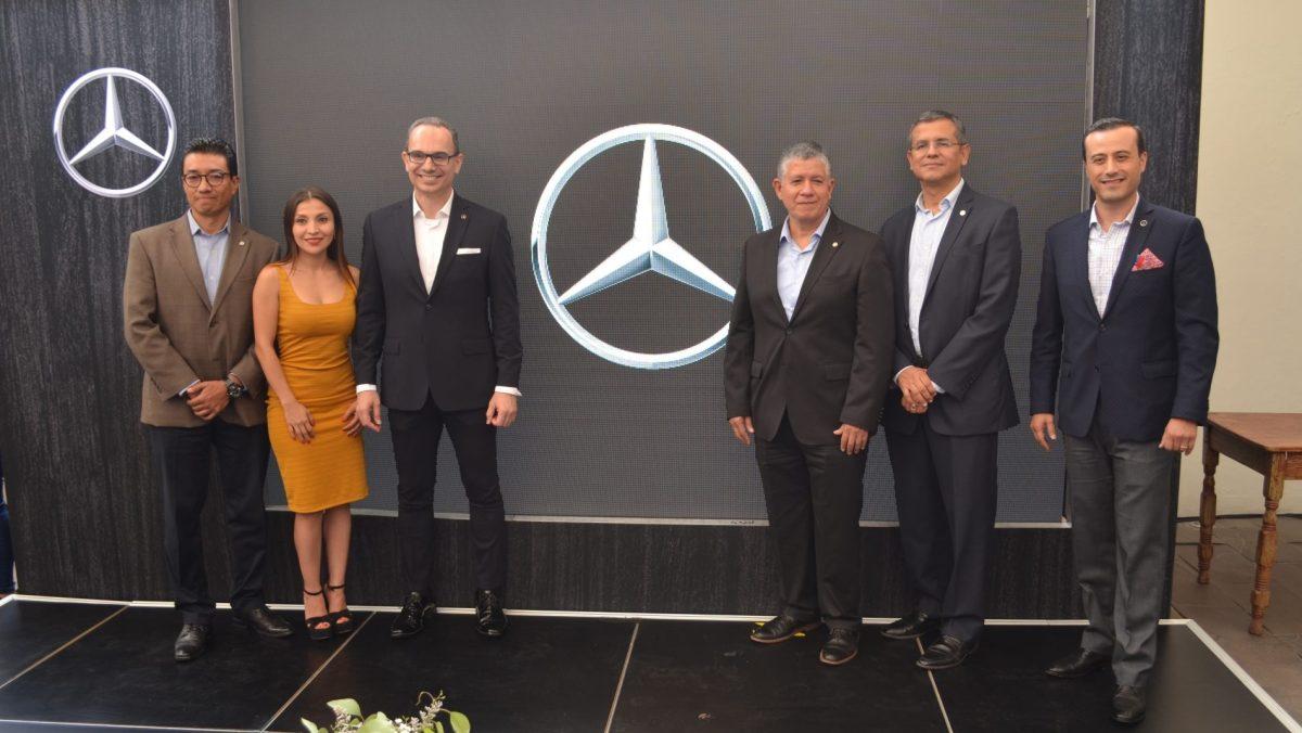Celebra Mercedes-Benz   25 años de soluciones de movilidad en México
