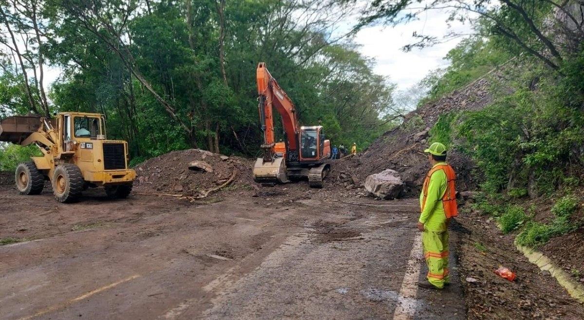 Restablecen  circulación en carreteras de Colima, Oaxaca, Jalisco y Chiapas tras actividad ciclónica