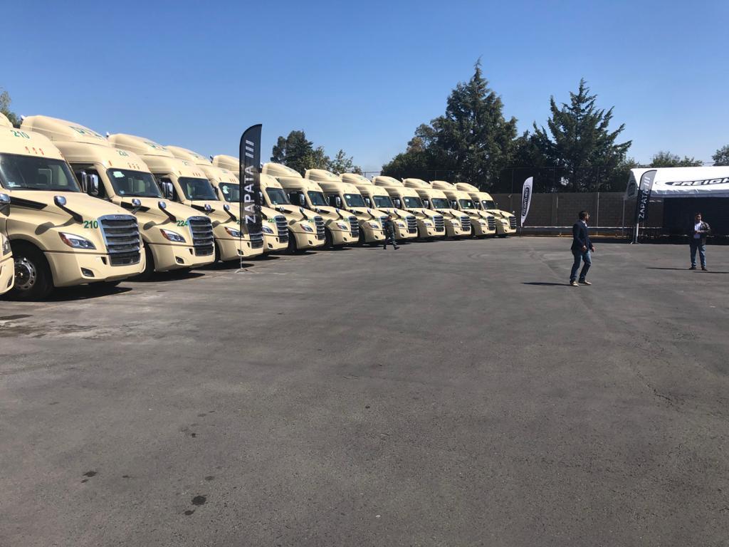 Adquiere DTI Transportes 27 unidades del Nuevo Cascadia