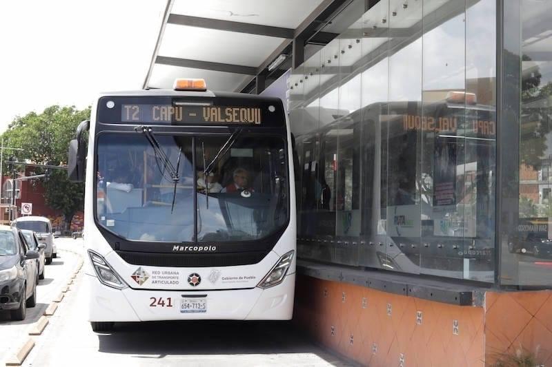 Transporte público en Puebla, con restricciones por Alerta Máxima