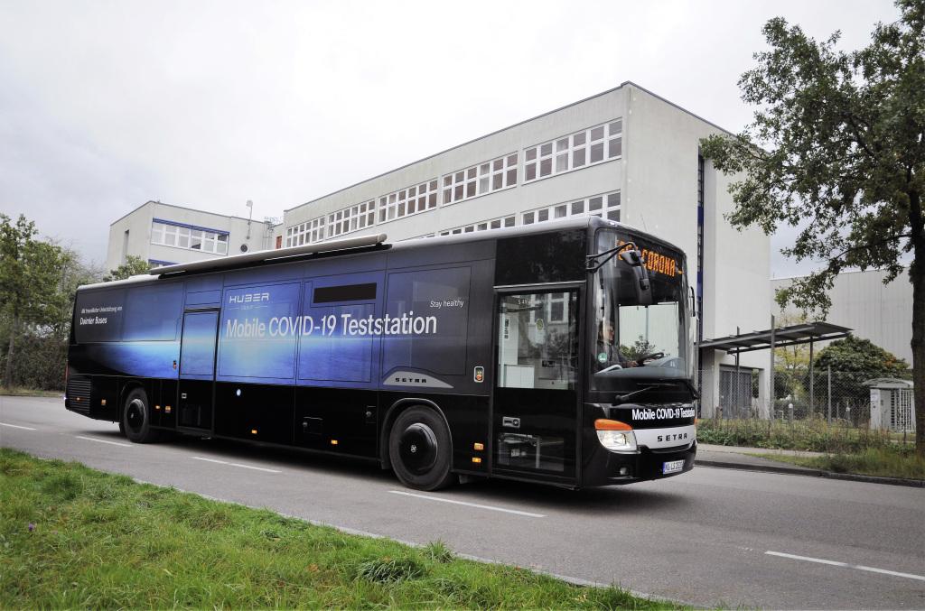 Autobús Setra se convierte en estación móvil de prueba COVID-19