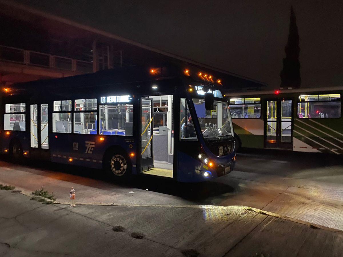 Suman dos rutas de trolebús para atender demanda de usuarios en la Línea 12