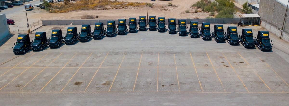 Entrega Navistar 20 tractocamiones LT a la empresa SALCI