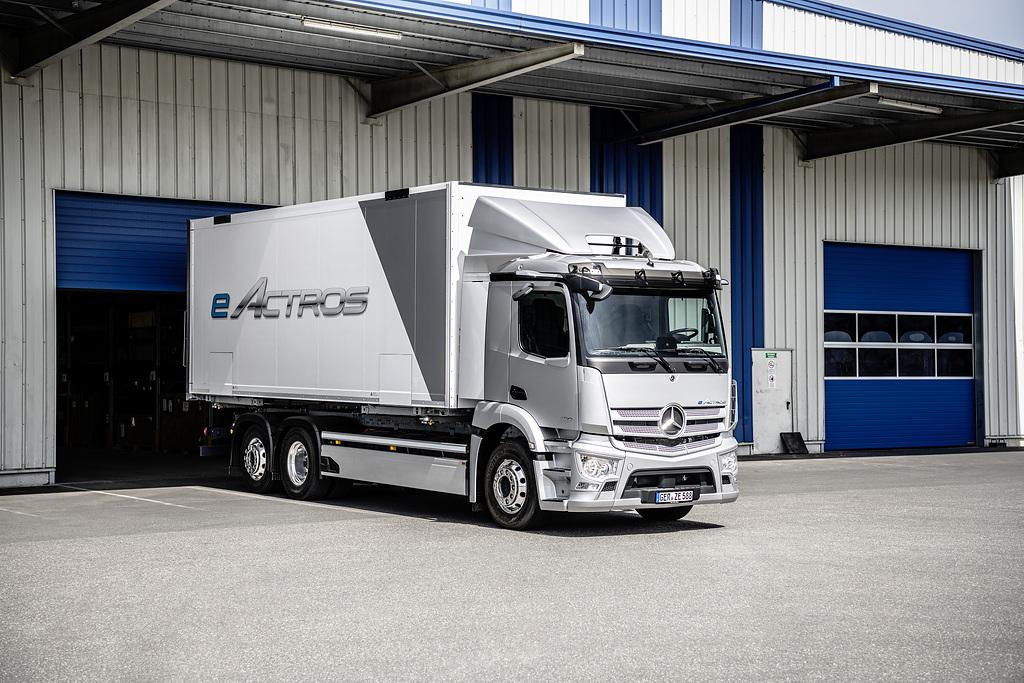 Listo el nuevo Mercedes-Benz eActros, primer camión eléctrico de producción en serie