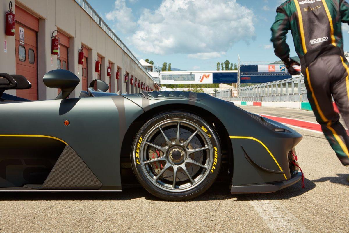 Desarrolla Pirelli neumáticos P Zero Slick para el Dallara Stradale EXP