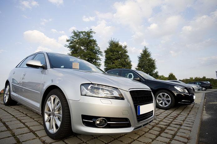 Wypożyczalnia samochodów-niech klient poczuje się pionierem