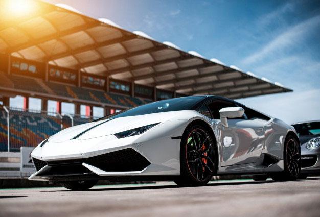 Ile kosztuje wypożyczenie Ferrari