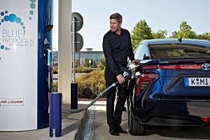 Unterwegs mit Wasserstofff: der Toyota Mirai.. Foto: Toyota