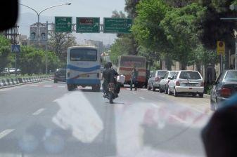 dans notre taxi de retour de Persépolis près de Shiraz - l'autre ailleurs en Iran, une autre idée du voyage