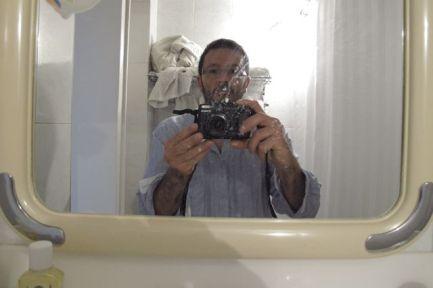 selfie dans les toilettes de notre chambre du Hafez Hôtel à Shiraz - l'autre ailleurs en Iran, une autre idée du voyage