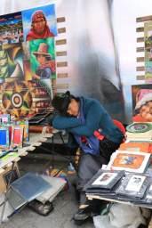 marché gigantesque dans la ville d'Otavalo