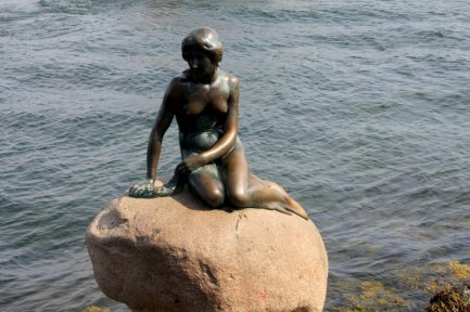 la petite sirène , d'après le conte d'Andersen à Copehenague