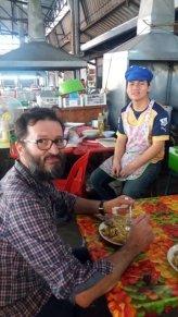 Pad Thaï dans le marché durant notre pause déjeuner