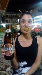 la bière Leo ça rend les dents vertes !