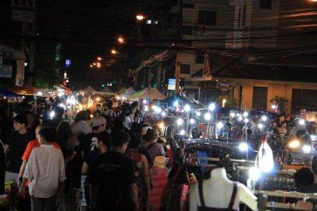 un aperçu du marché nocturne de Chiang Mai