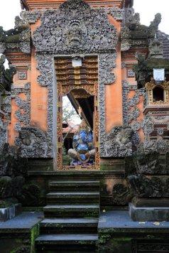 contrairement à ce que j'ai pu croire, c'est une maison pas un temple