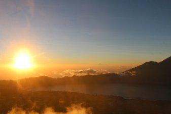 enfin le jour se lève, vue depuis le mont Batur