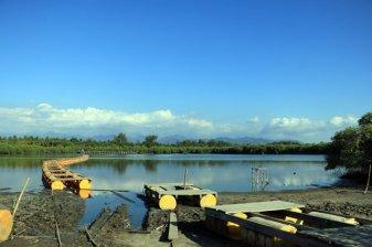 au milieu de l'île de Gili Meno, un lac...salé