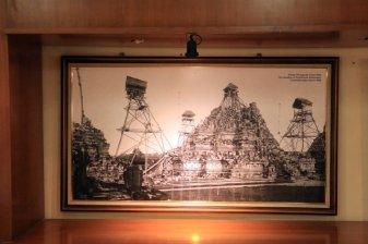 photo du début de la restauration du site de Prambanan en 1880