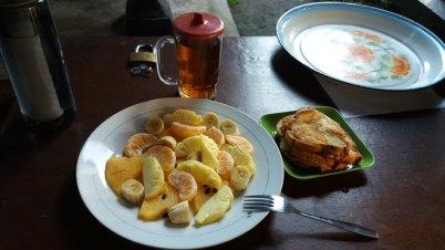 Petit déjeuner à Keliki (Indonésie)