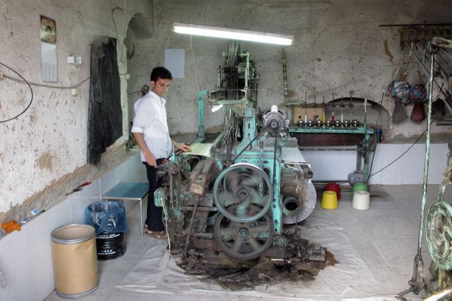 machine à tisser à Yazd - l'autre ailleurs en Iran, une autre idée du voyage