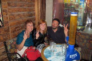 Suzana, Isablel et moi pour quelques dernières bières à Istanbul pour la fin de mon voyage