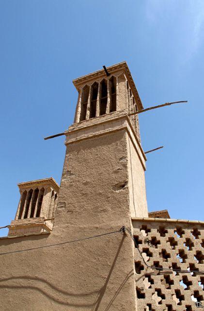 badgir , ancêtre de la clim, dans vieille ville de Yazd - l'autre ailleurs en Iran, une autre idée du voyage