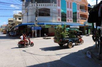 dans la rue à Battambang - L'autre ailleurs au Cambodge