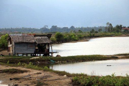 sur l'île des marais salants tout près de Kampot