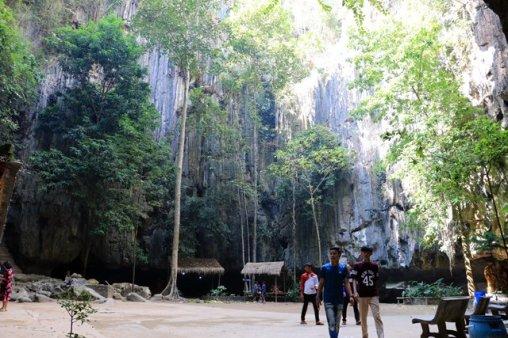 grotte près de la ville de Kampong Trach (à 13km à l'est de Kep)