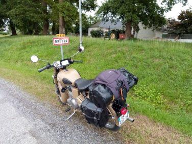 Pause à Bruges, en France ;-) (moto road trip) - l'autre ailleurs, une autre idée du voyage