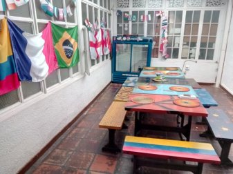 salle du petit déjeuner - Iku Hostel Backpackers à Bogotá