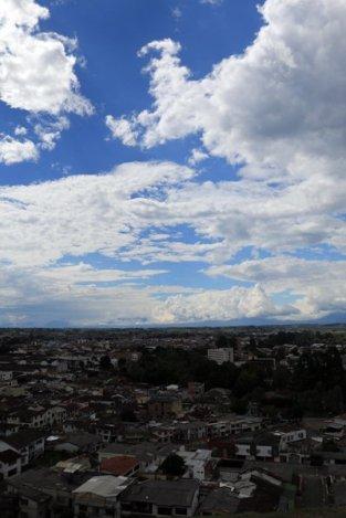 depuis la statue équestre de Sebastian de Belalcazar à El Morro sur un colline à Popayàn - l'autre ailleurs en Colombie, une autre idée du voyage