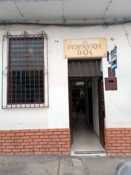 Entrée de l'hôtel Popayán Inn à Popayán - l'autre ailleurs en Colombie, une autre idée du voyage