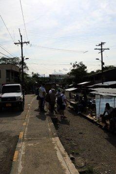 juste avant d'embarquer à bord d'une brujita, à San Cipriano à 100 Km de Cali en Colombie - l'autre ailleurs en Colombie, une autre idée du voyage