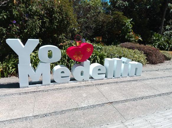"""""""Yo amo Medellín"""" dans le Parc Arvi à Medellín - l'autre ailleurs en Colombie, une autre idée du voyage"""