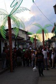 la rue principale de Salento - l'autre ailleurs en Colombie, une autre idée du voyage