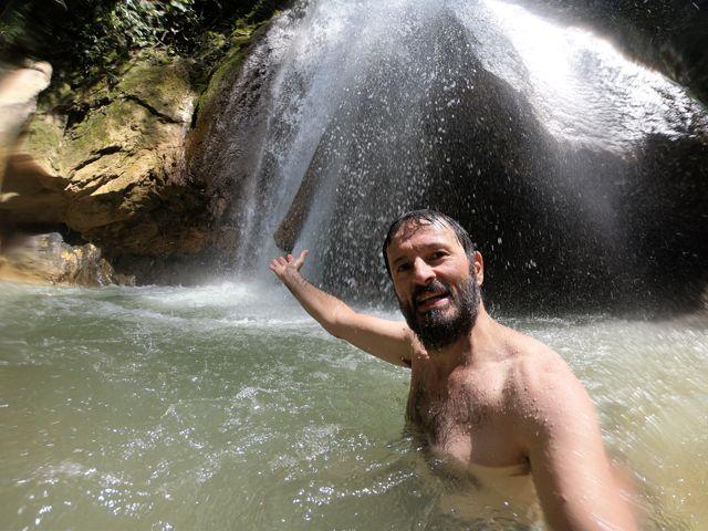 baignade sous la cascade, un vrai bonheur
