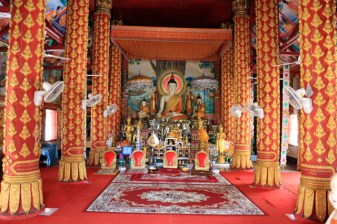 temple à Houy Xai - l'autre ailleurs, une autre idée du voyage