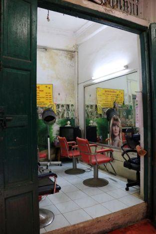 coiffeuse à Bangkok - l'autre ailleurs, une autre idée du voyage