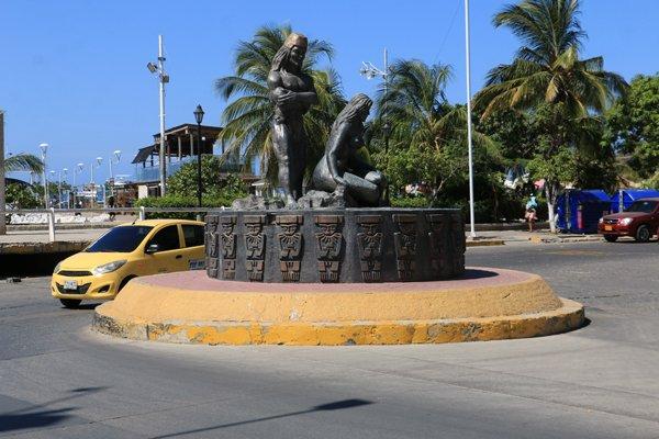 hommage au indigènes à Santa Marta - l'autre ailleurs en Colombie, une autre idée du voyage
