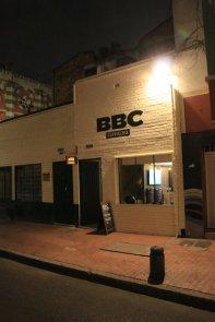 une dernière bière au BBC - La Bodega Candelaria à Bogotá - l'autre ailleurs en Colombie, une autre idée du voyage