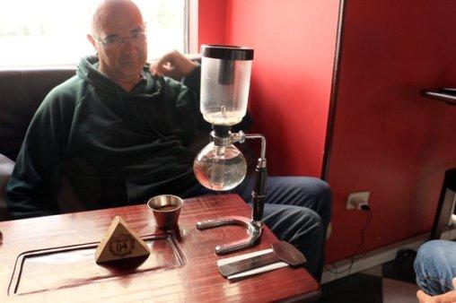 vivre le café à Bogotá avec Rafael, Patrick et Eduardo - l'autre ailleurs en Colombie, une autre idée du voyage