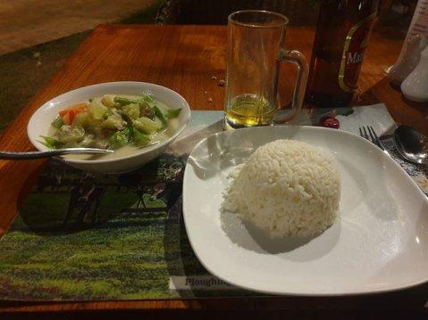 curry végétarien pour mon dîner de Noël au restaurant The Black Bamboo à Bagan - l'autre ailleurs au Myanmar (Birmanie) et Thaïlande, une autre idée du voyage