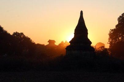 coucher de soleil sur les temples de Bagan - l'autre ailleurs au Myanmar (Birmanie) et Thaïlande, une autre idée du voyage