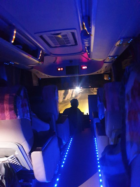 dans le bus de nuit depuis Nyaung Shwe vers Kin Pun via Pegou (Bago) - l'autre ailleurs au Myanmar (Birmanie) et Thaïlande, une autre idée du voyage