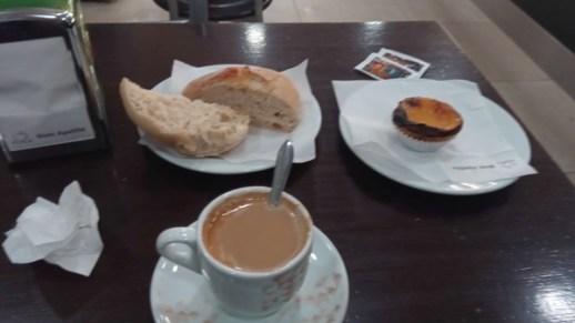 petit déjeuner à la padeirinha doce porto - l'autre ailleurs à Porto, une autre idée du voyage