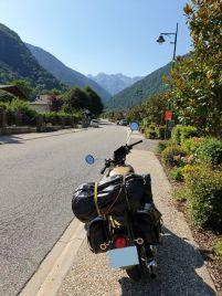 balade moto dans les Pyrénées (été 2019) ici quittant Saint-Lary Soulan - l'autre ailleurs, une autre idée du voyage
