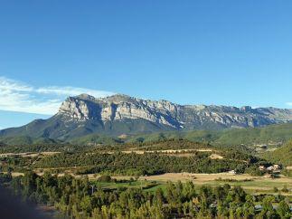 balade moto dans les Pyrénées (été 2019) ici à L'Ainsa en Espagne- l'autre ailleurs, une autre idée du voyage