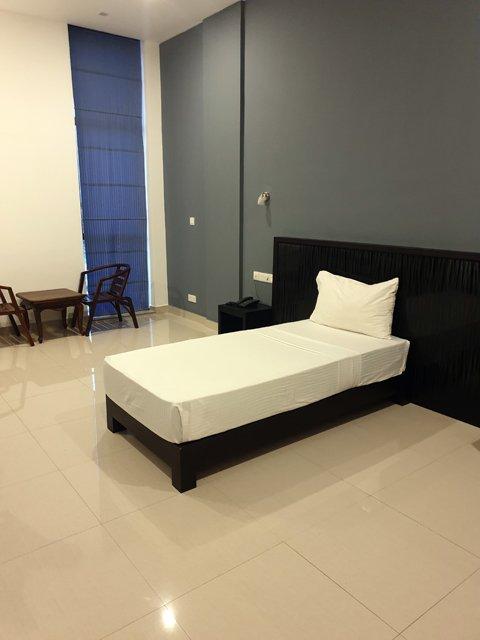 ma chambre dans l'hôtel Golden Pier City à Colombo - l'autre ailleurs au Sri-Lanka, une autre idée du voyage